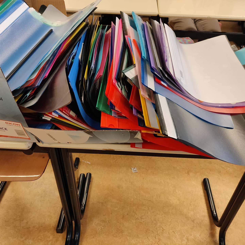 Nablijfstrafkamp 2020 is weer geweest. Het oude examenwerk is gerecycled. 600+ mapjes gaan een tweede leven tegemoet.