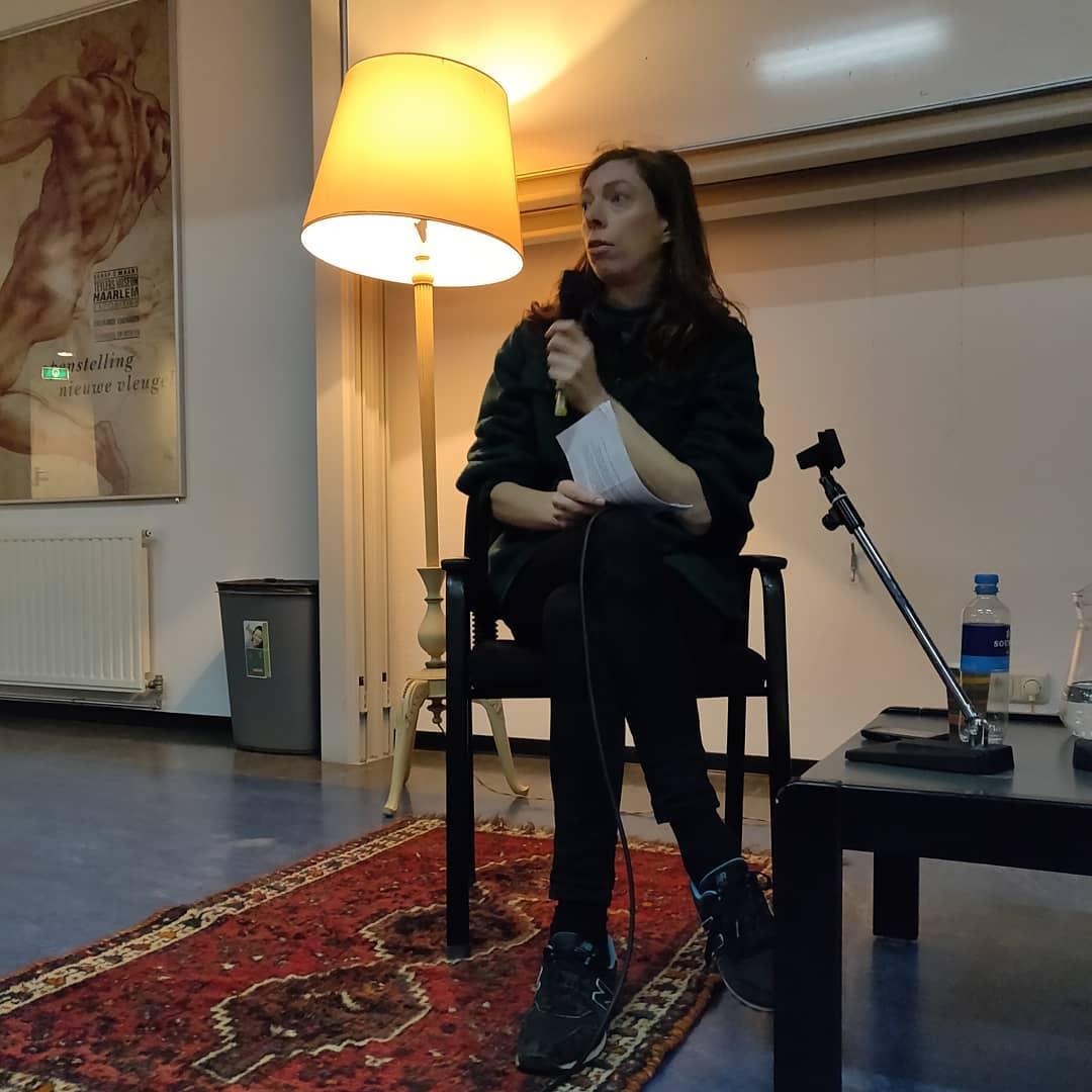 Bezoek van schrijfster Hanna Bervoets op @drknippenbergcollege #onderwijs #Knip #literatuur